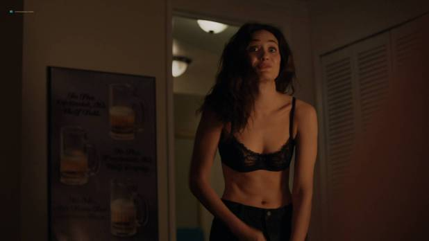 Emmy Rossum hot and sexy in lingerie - Shameless (2017) s08e01 HD 1080p Web (3)