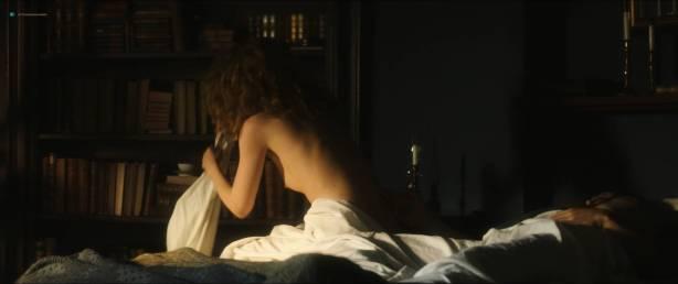 Karolina Gruszka nude bush and topless - Marie Curie (FR-2016) HD 1080p BluRay (10)