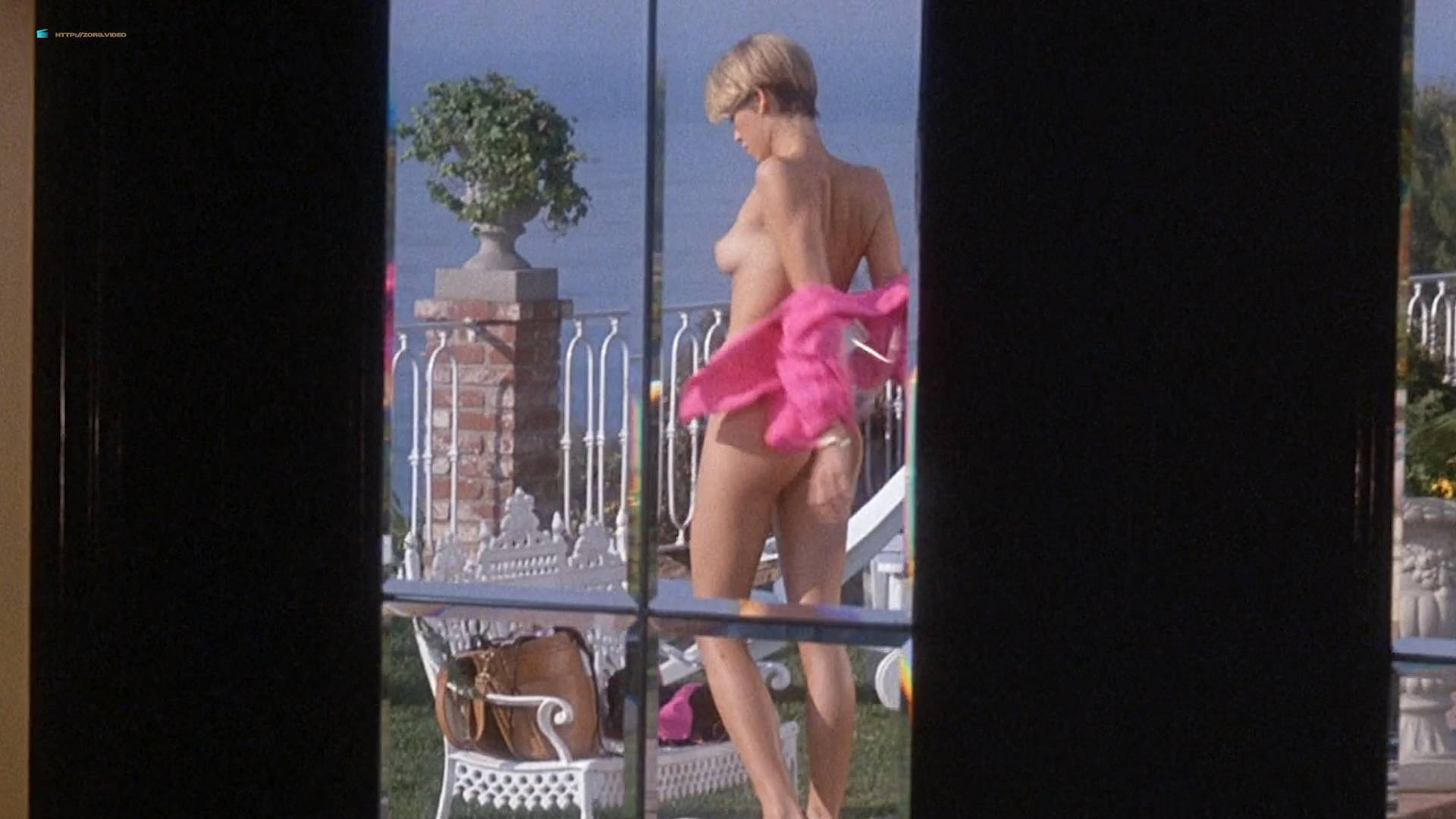 Woman big nude