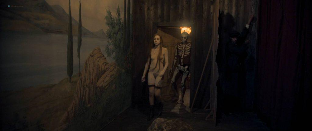 Maresi Riegner nude full frontal Larissa Breidbach nude bush Valerie Pachner nude - Egon Schiele: Tod und Mädchen (AT-2016) HD 1080p BluRay (13)