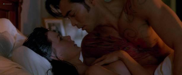 Yoko Shimada nude and sex Julie Condra hot - Crying Freeman (1995) HD 1080p BluRay (12)