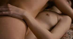 Céline Sallette nude topless Eléonore Haentjens topless covered - Cessez-le-feu (FR-2016) HD 1080p BluRay (8)