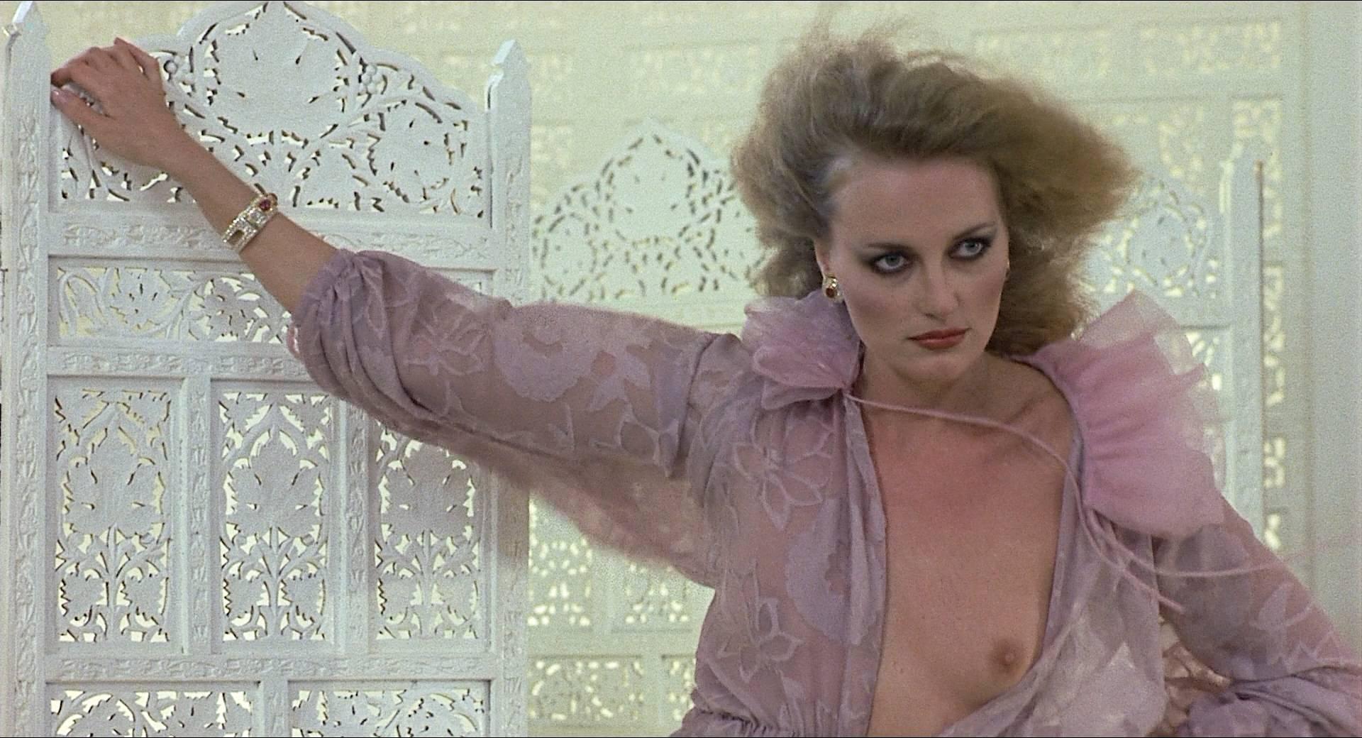 Darlanne Fluegel nude topless Lisa Taylor and Rita Tellone nude topless too - Eyes of Laura Mars (1978) HD 1080p BluRay (3)