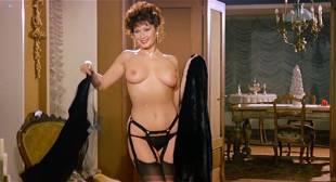 Edwige Fenech nude topless and Barbara Bouchet hot leggy - La moglie in vacanza... l'amante in città (IT-1980)