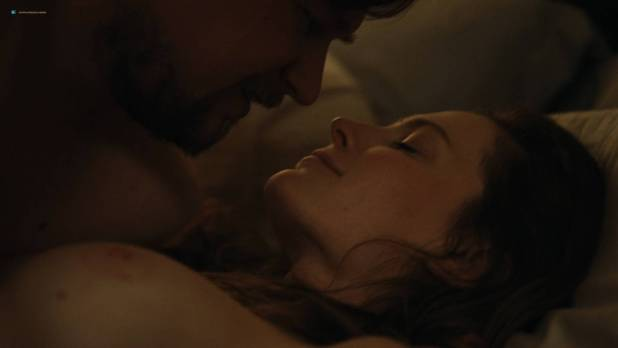 Elizabeth Reaser nude sex Lindsay Burdge and Karley Sciortino nude sex too - Easy (2017) s2e-1-3 HD 1080p (11)
