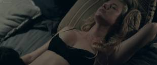 Jennifer Garner hot bra undies Maika Monroe hot some sex - The Tribes of Palos Verdes (2017) HD 1080p