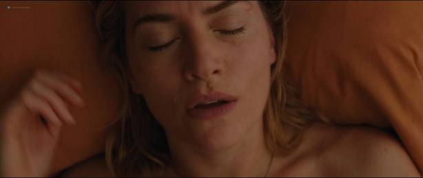 Kate Winslet hot and some sex - The Mountain Between Us (2017) HD 1080p BluRay (6)