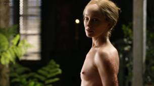 Lotte Verbeek nude butt and boobs - Outlander (2017) s3e12 HD 720 -1080p (7)