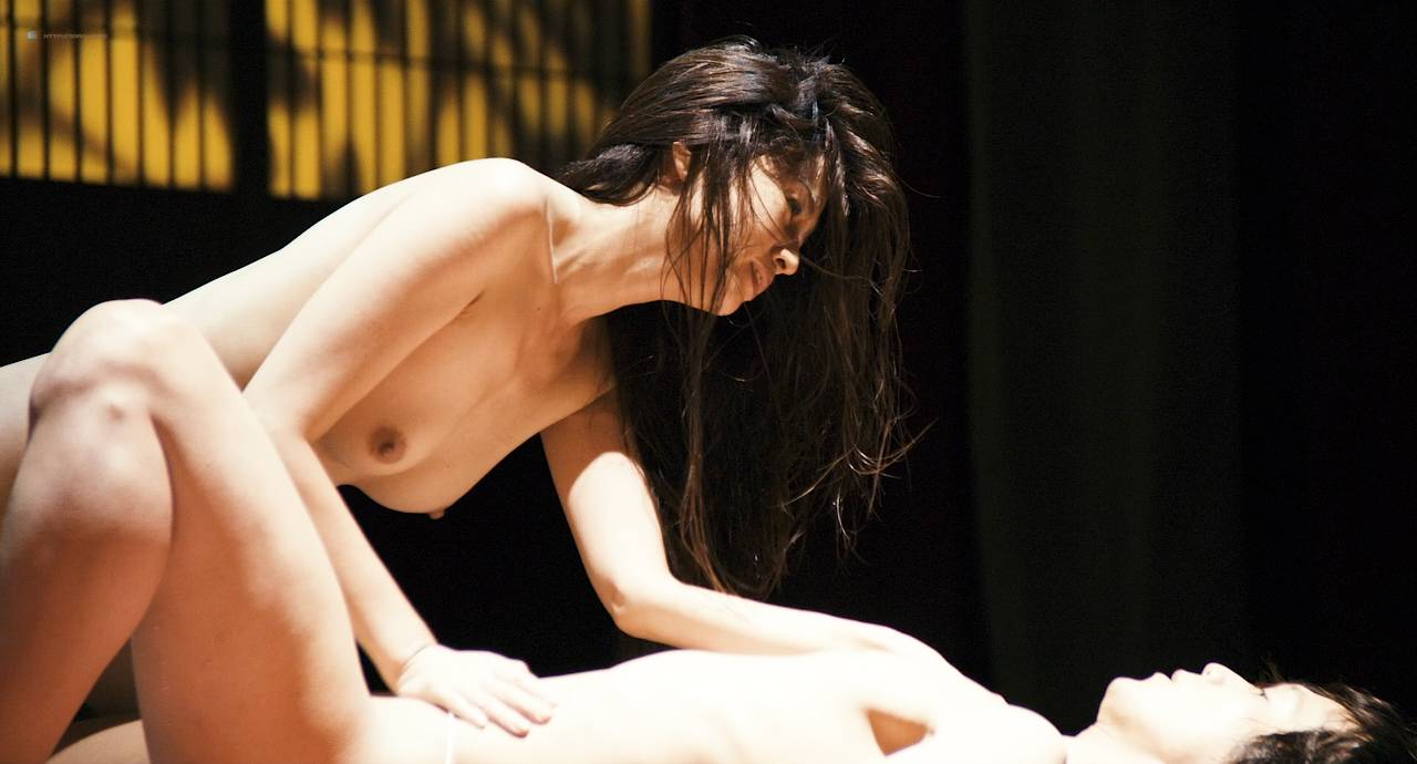 Maiko Amano nude bush Noriko Hamada and Rina Sakuragi nude full frontal - Hana to hebi Zero (JP-2014) HD 720p (2)