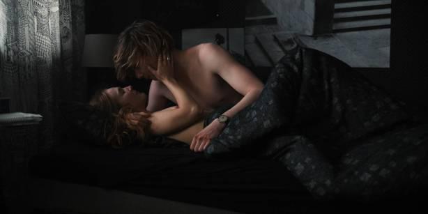 Maja Schöne nude sex Deborah Kaufmann topless Gina Alice Stiebitz nude - Dark (2017) s1 HD 1080p Web (6)