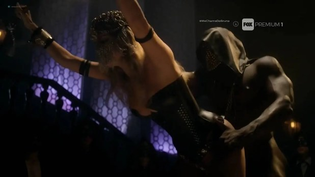 Maria Bopp nude topless and lot of sex Miriam Lanzoni nude too - Me Chama De Bruna (BR-2017) s2e1-2 HDTV 720p (2)
