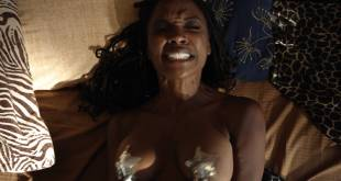 Shanola Hampton and Isidora Goreshter hot lesbian sex and threesome – Shameless (2017) s8e6 HD 1080p (5)