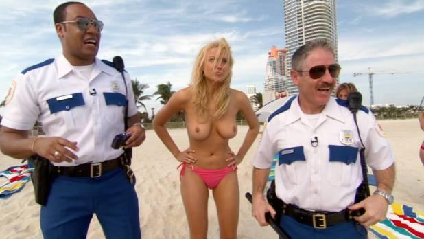 Irina Voronina topless Mary Castro nude sex Marisa Petroro and others hot - Reno 911!: Miami (2007) HD 1080p (14)