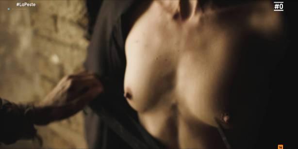 Patricia López nude full frontal Cecilia Gómez, Lupe del Junco and others nude bush, topless - La peste (ES-2018) s1 HDTV 1080p (6)