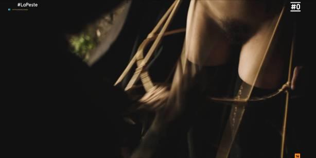 Patricia López nude full frontal Cecilia Gómez, Lupe del Junco and others nude bush, topless - La peste (ES-2018) s1 HDTV 1080p (4)