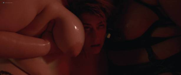 Peaches nude Rya Kleinpeter, Rita D 'Albert nude bush, explicit, piss, shemale - Rub (2015) HD 1080p (15)
