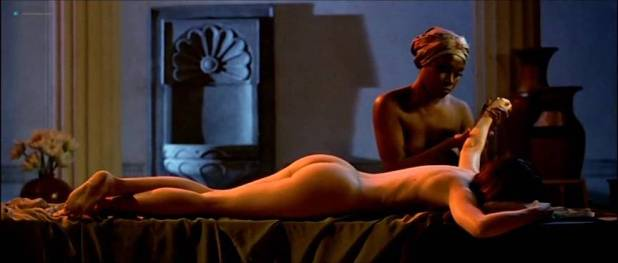 Alessandra Negrini nude butt Karine Carvalho and others nude too - Cleopatra (BR-2007) (12)