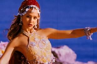 Jessica Alba hot and sexy Meagan Good hot bikini – The Love Guru (2008) HD 1080p BluRay