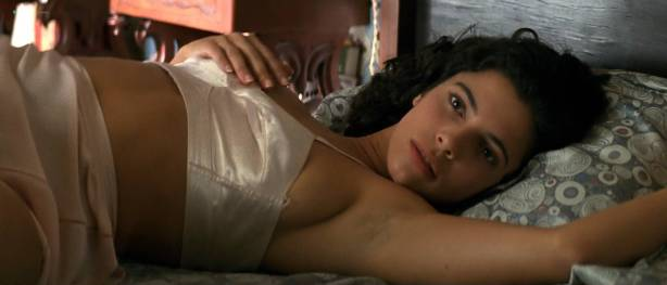 Maribel Verdú hot sex Ariadna Gil brief topless Penélope Cruz hot - Belle époque (ES-1992) HD 1080p (6)