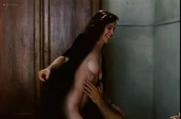 Teresa Madruga nude full frontal and some sex - Dans la ville blanche (PT-1983) (5)