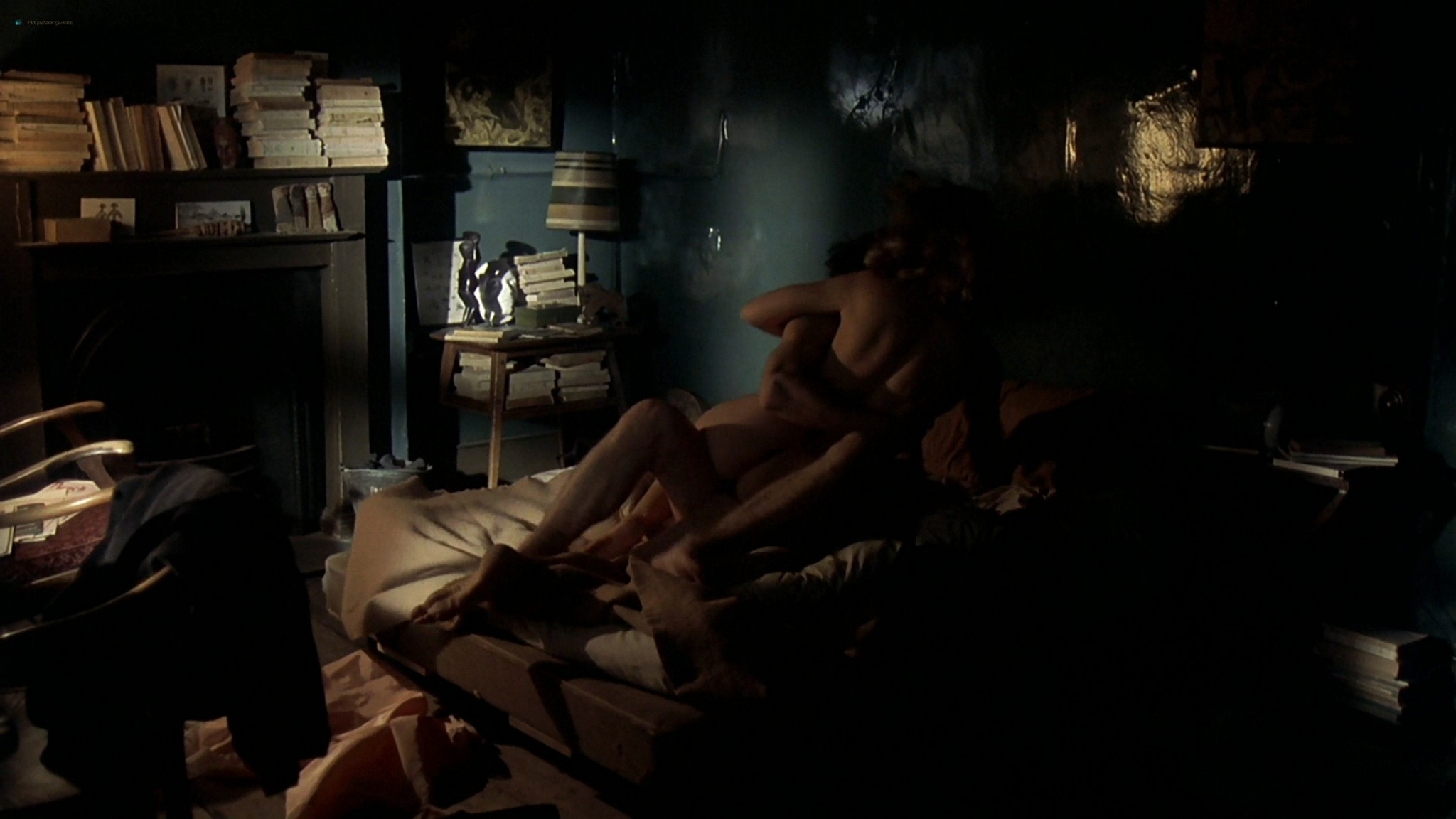 Gwyneth Paltrow nude topless and sex– Sylvia (2003) HD 1080p Web-DL (36)