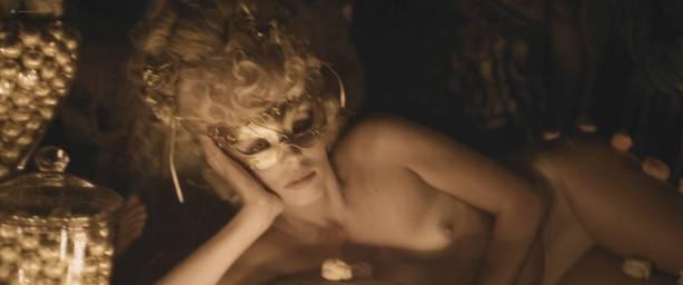 Ksenia Solo Nude Topløs Jenna Kramer Nude Andre Hoy And Nude - jagten på Fellini 2017 Hd-6945