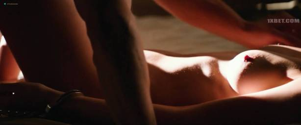Dakota Johnson nude topless and lot of sex - Fifty Shades Freed (2018) HD 1080p (11)