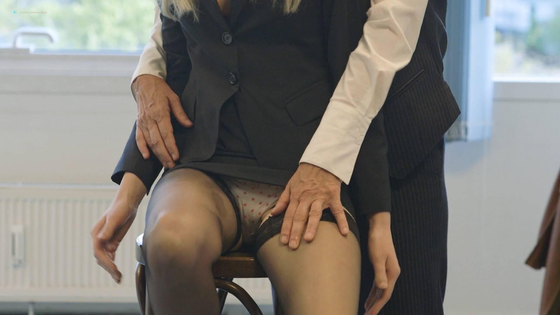 Jenny Edner nude full frontal Melina Hess nude labia - Fikkefuchs (DE-2017) HD 1080p (13)