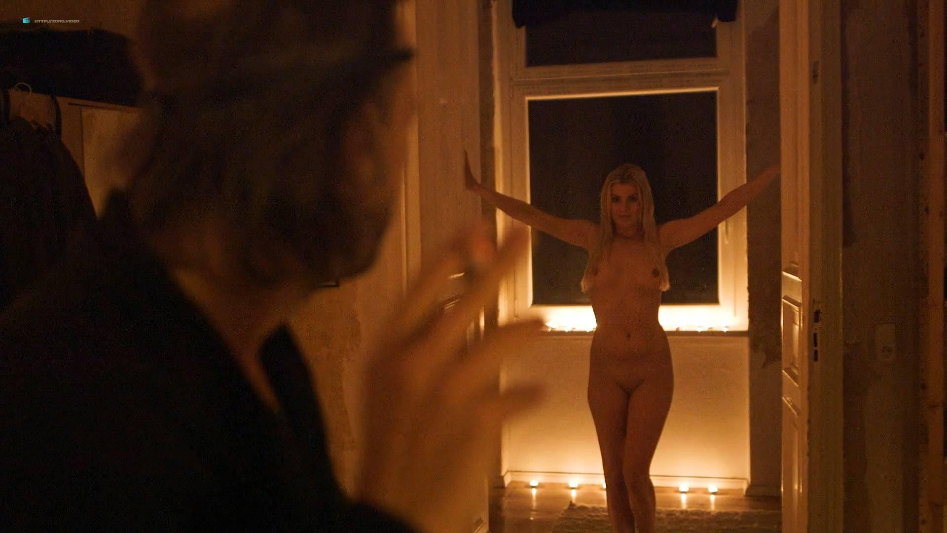 Jenny Edner nude full frontal Melina Hess nude labia - Fikkefuchs (DE-2017) HD 1080p (12)