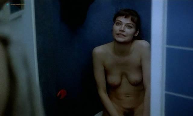 Marion Cotillard nude topless Emmanuelle Devos and Marianne Denicourt nude too - Comment je me suis disputé... (ma vie sexuelle) (FR-1996) (17)