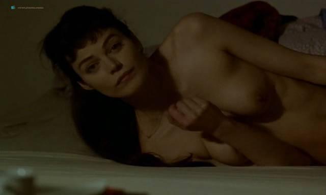 Marion Cotillard nude topless Emmanuelle Devos and Marianne Denicourt nude too - Comment je me suis disputé... (ma vie sexuelle) (FR-1996) (9)