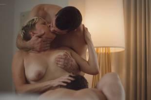 Natalie Joy Johnson bush sex threesome near explicit Alex Auder bush Nyseli Vega boobs – High Maintenance (2018) S2 HD 1080p