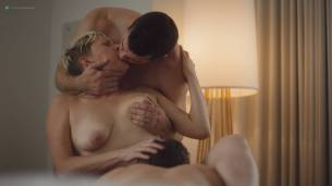 Natalie Joy Johnson bush sex threesome near explicit Alex Auder bush Nyseli Vega boobs - High Maintenance (2018) S2 HD 1080p (14)