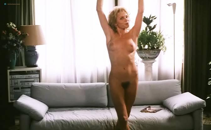 Nude de ven monique van Monique van