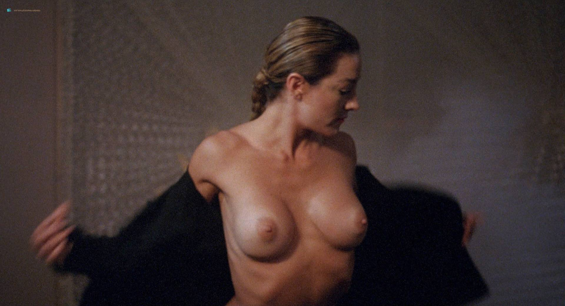 Roxanna Michaels nude Tiffany Million and others nude bush butt - Caged Fury (1989) HD 1080p BluRay (15)