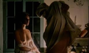 Geneviève Bujold nude topless – Kamouraska (1973)