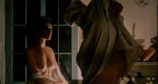 Geneviève Bujold nude topless - Kamouraska (1973) (6)