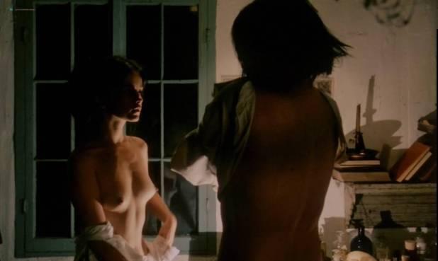 Geneviève Bujold nude topless - Kamouraska (1973) (5)