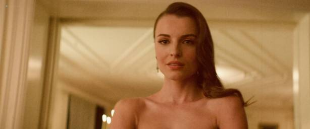 Lily Sullivan nude side boob Natasha Pruchniewicz brief nude -Jungle (AU-2017) HD 1080p Web (5)