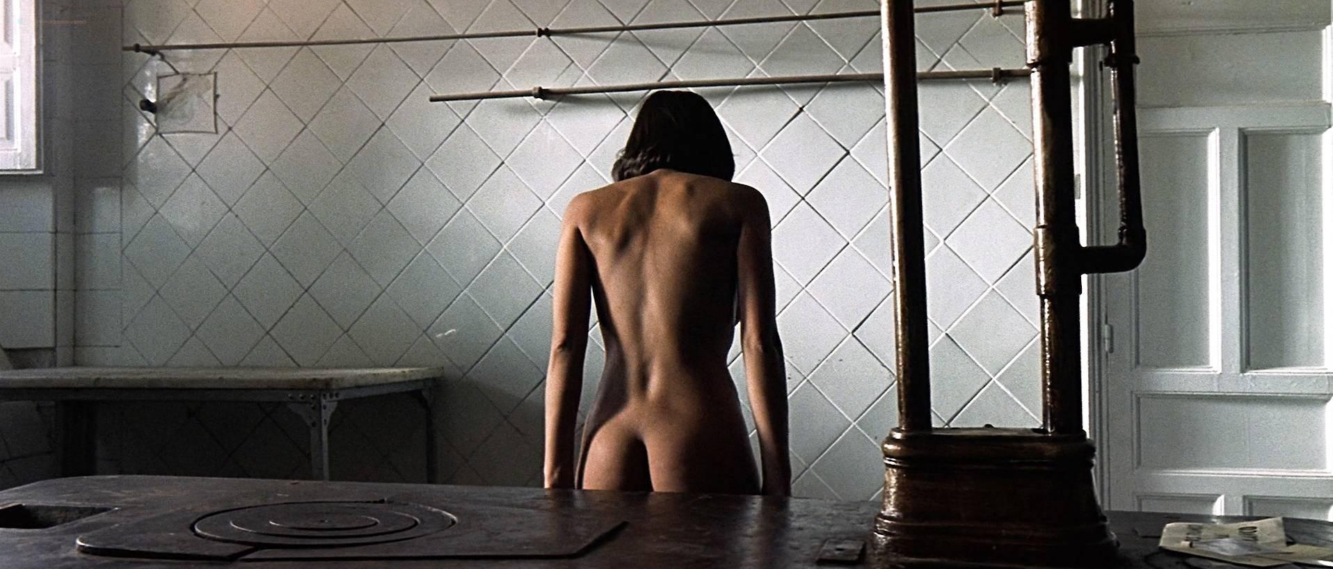 Verónica Sánchez nude topless and butt - Las 13 rosas (ES-2007) HD 1080p BluRay (9)