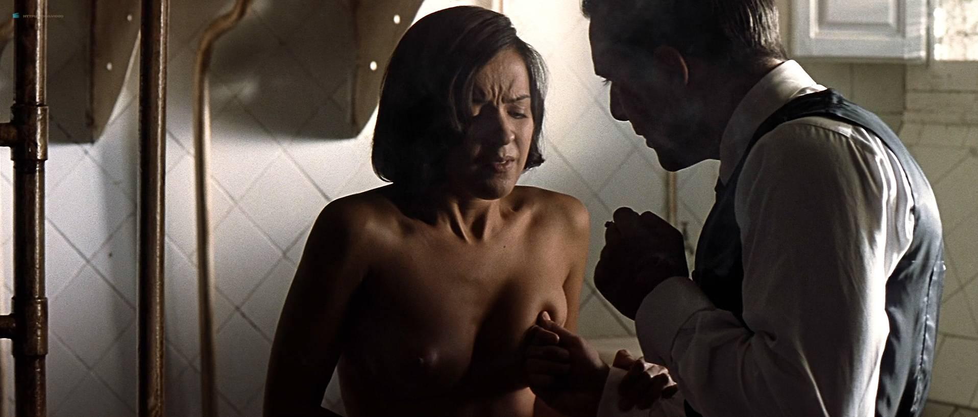 Verónica Sánchez nude topless and butt - Las 13 rosas (ES-2007) HD 1080p BluRay (5)