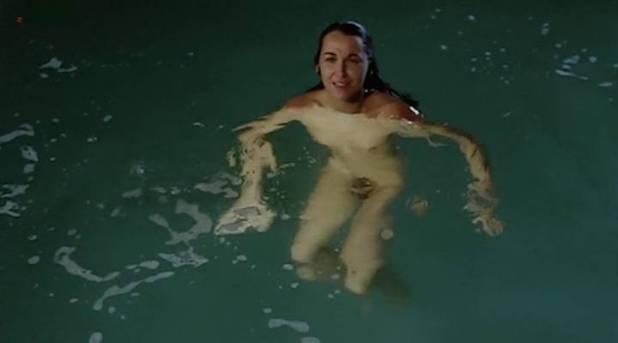 Adriana Vega nude full frontal - Cuatro mujeres y un lío (ES-1985) (4)