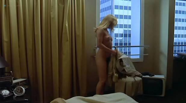 Carole Laure nude topless Marie Dubois and Fabienne Arel nude too - La menace (FR-1977) (3)