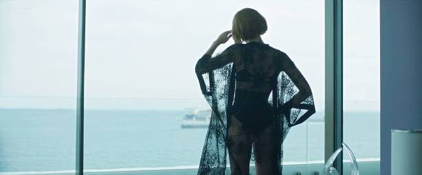 Amaia Salamanca hot and sexy in one scene - Perdida (AR-2018) HD 1080p Web (4)
