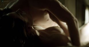 Antje Traue nude toples in one sex scene - Weinberg (DE-2015) s1e1 HD720p (3)