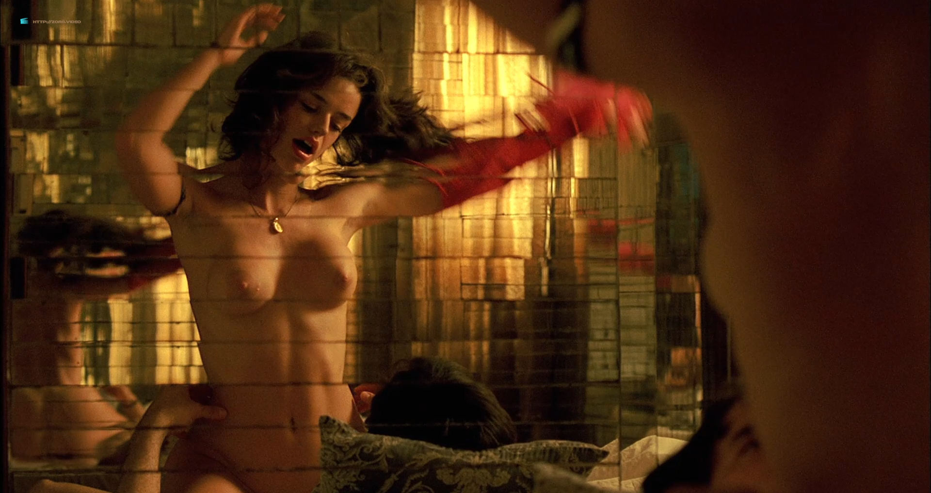 Flora Martinez nude and lot of sex - Rosario Tijeras (2005) HD 1080p BluRay (7)