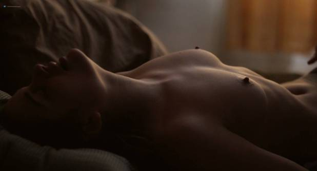 Louise Grinberg nude topless in sex scene - La prière (FR-2018) HD 1080p BluRay (5)