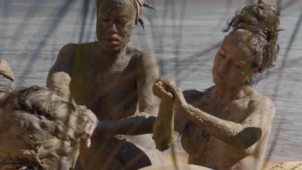 Mariana Nunes nude topless Paula Grinzspan nude - Zama (AR - 2017) HD 1080p (8)