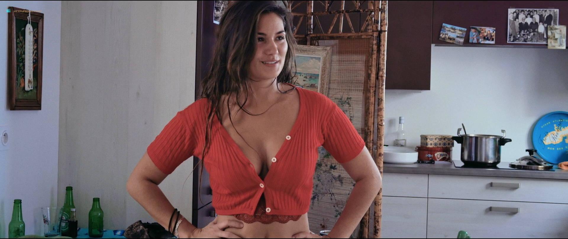Ophélie Bau nude bush and hot sex - Mektoub, My Love: Canto Uno (FR-2017) HD 1080p BluRay (2)