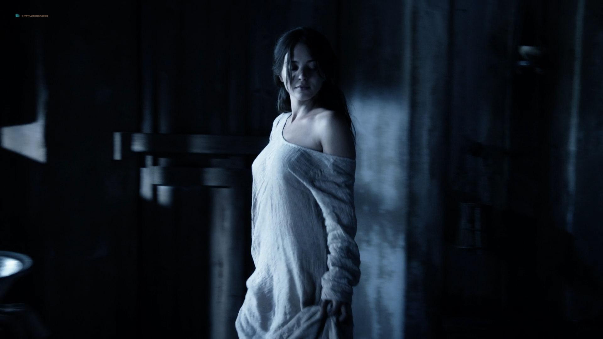 Julia Blackburn  nackt